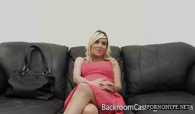 40 летняя беременная женщина сосет хуй и принимает сперму на лицо