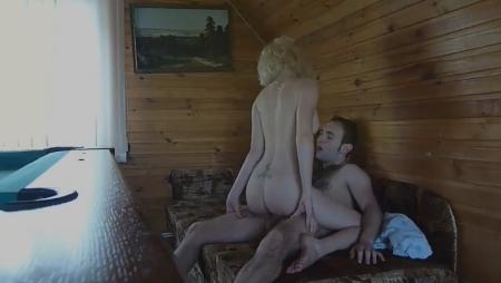 Чужая супруга в бане с любовником